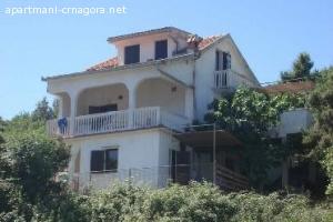 Apartmani u Krašićima 120m od obale