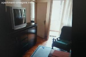 Izdaje se dvosoban namjesten stan 70 m2 Preko Moreče