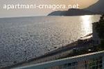 Izdajem povoljno sobe i apartmane na samoj plaži u Sutomoru