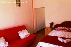 Izdajem sobe i apartmane u Igalu(Herceg Novi-Crna Gora).