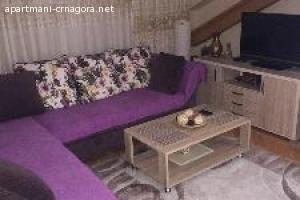 Izdajem trosoban stan u centru Podgorice