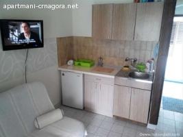 Kotor, Dobrota apartman na samoj obali mora