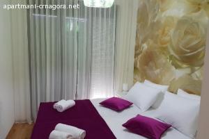 Luksuzan savremen stan na šetalištu Pine -Tivat