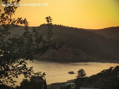Apartmani Crna Gora - Sutomore - Sobe i apartmani u Sutomoru sa pogledom na more